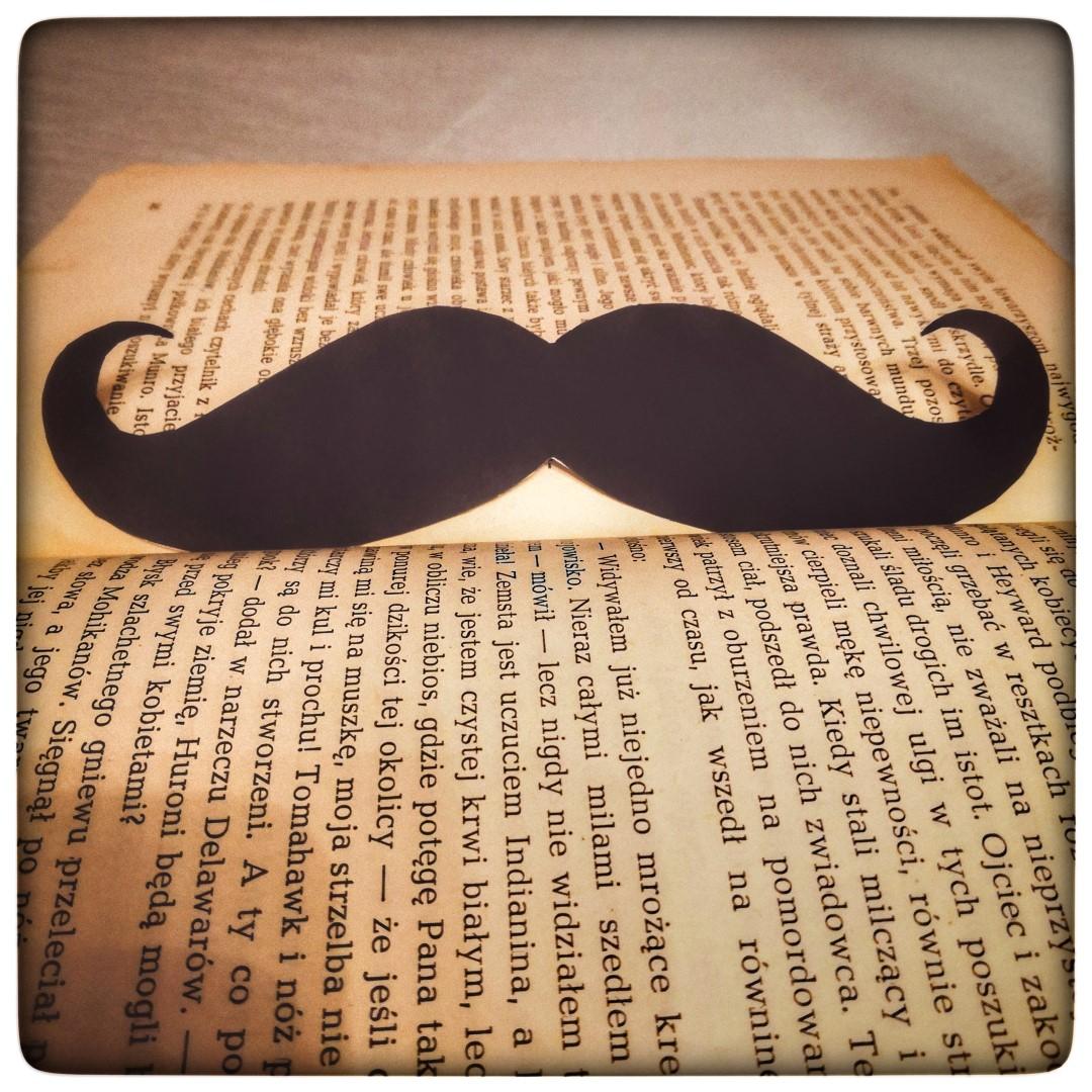 Książkowy #Movember
